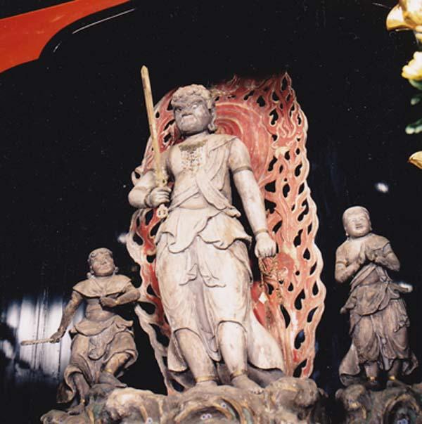 都指定有形文化財(彫刻) 木造不動明王及び二童子立像(不動堂安置)