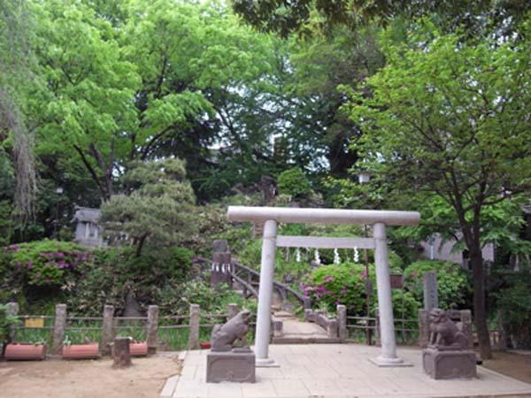 都指定有形民俗文化財 千駄ヶ谷の富士塚 「富士塚」